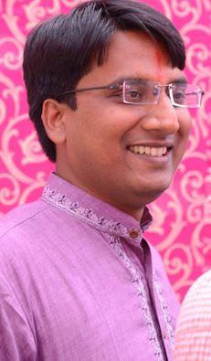 निशांत जैन यूपीएससी के इम्तिहान में हिंदी माध्यम से टॉपर। ऑल इंडिया रैंकिंग में 13वां स्थान।