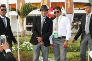 दोस्तों के साथ धावक नितेंद्र सिंह रावत